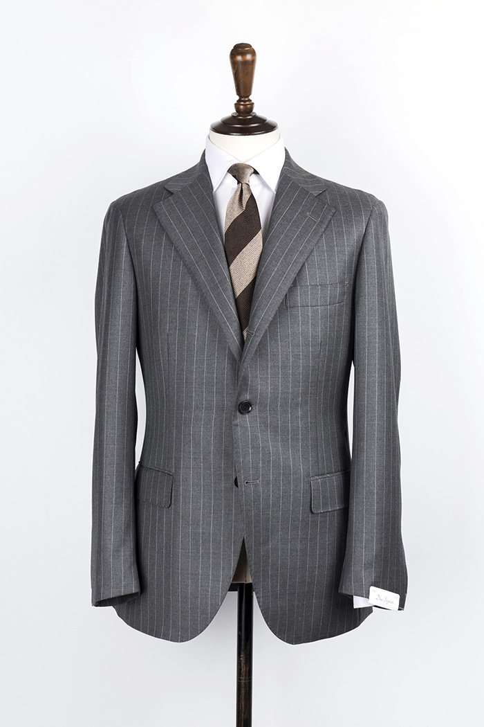 grey stripe suitduesignori(두에시뇨리)