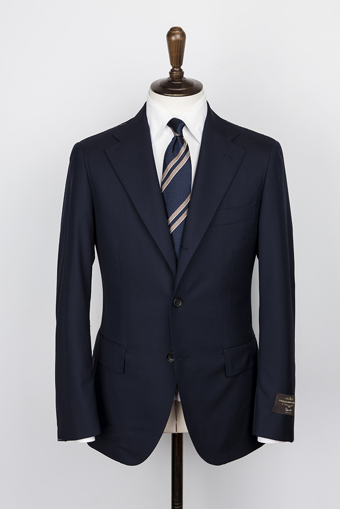 navy color suitduesignori (두에시뇨리)