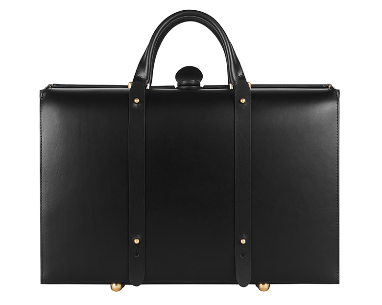 "102 ""TRUNK"" black(gold metal) Outlines(아웃라인즈)"