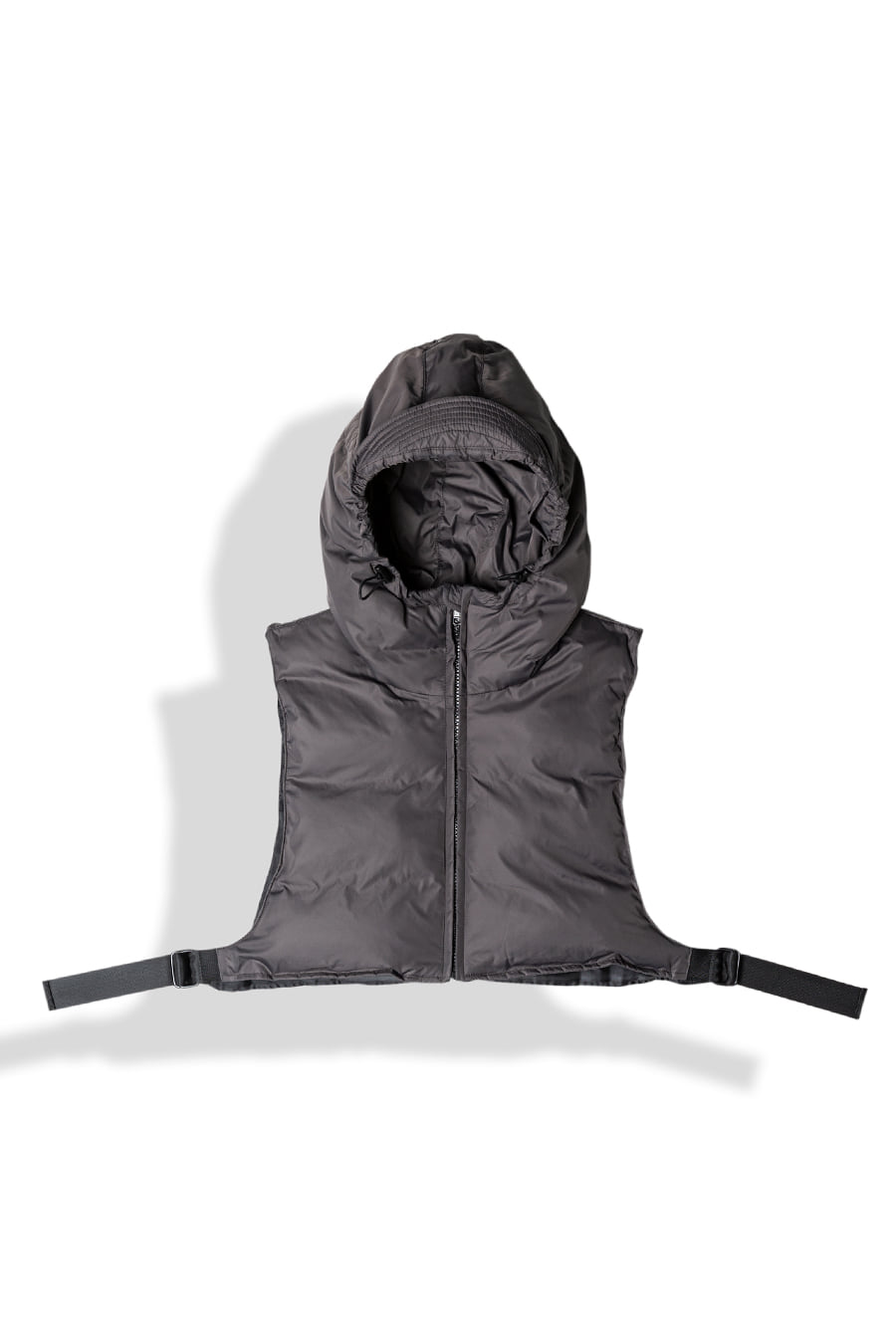 DOWN CROP HOODED-VEST / SMOKEArtittude(아티튜드)12월12일 발송예정