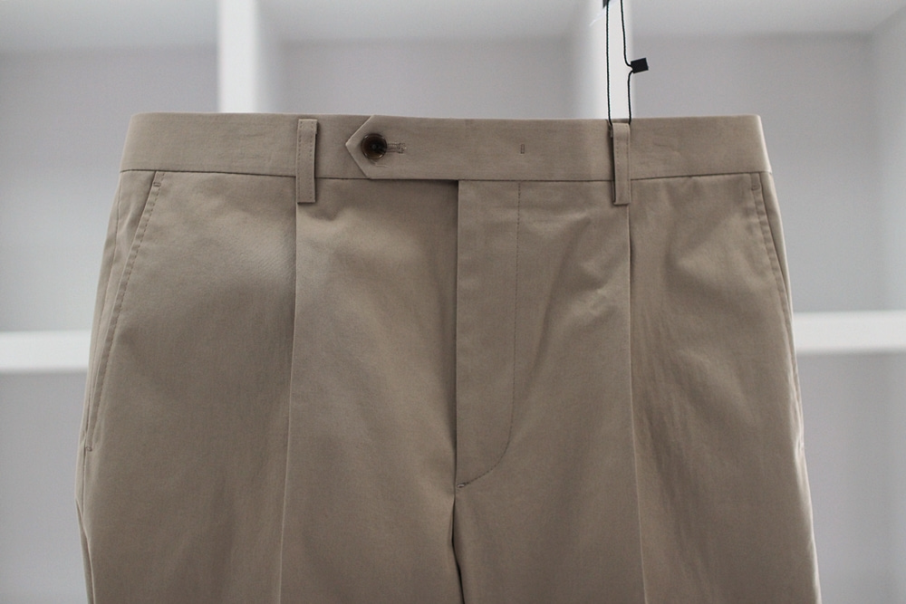 Beige cotton pantsCOMPLETO(꼼플레토)